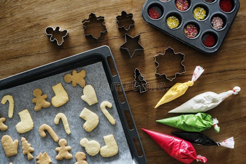 Für Weihnachten verziert zu werden Lebkuchenplätzchen, lizenzfreie stockfotografie