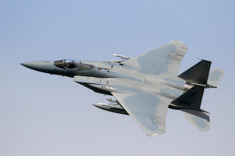 F15 πέταγμα πολεμικό τζετ στοκ φωτογραφίες
