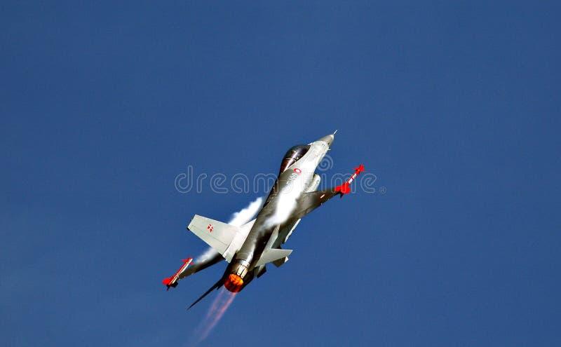 F-16 de vol photo libre de droits