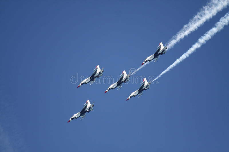 Download F-16 Falcon editorial stock image. Image of formation - 20838544