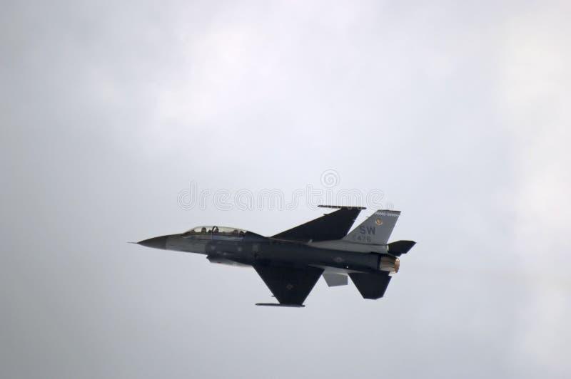 F 16 Odrzutowiec Na Powierzchni Obrazy Stock