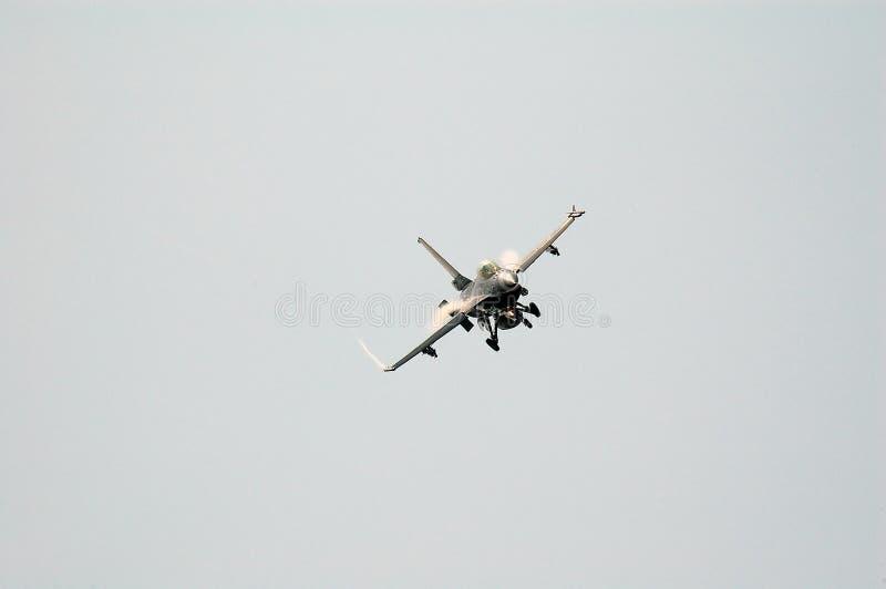 F-16 op airshow royalty-vrije stock afbeeldingen