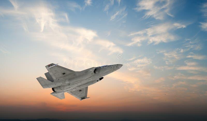 F 35, amerikansk militär kämpenivå Jet Plane Fluga i moln royaltyfri fotografi