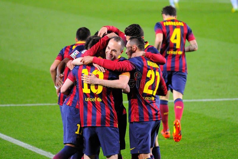 f C Barcelona spelare firar ett mål på Camp Nou på den spanska ligan (F C Barcelona - Celta) arkivbild