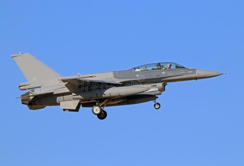 F-16D que lucha Faloon en final corto imagen de archivo