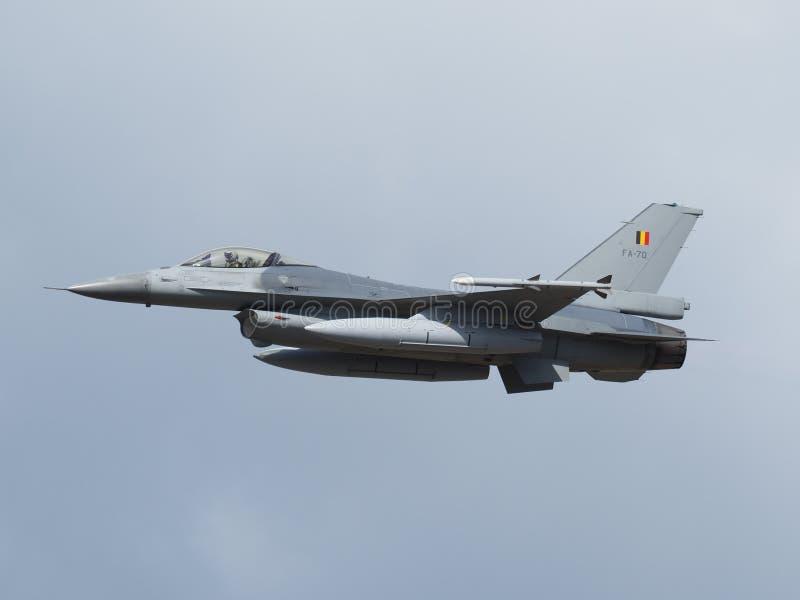 F-16 dell'aeronautica belga durante il airshow fotografie stock