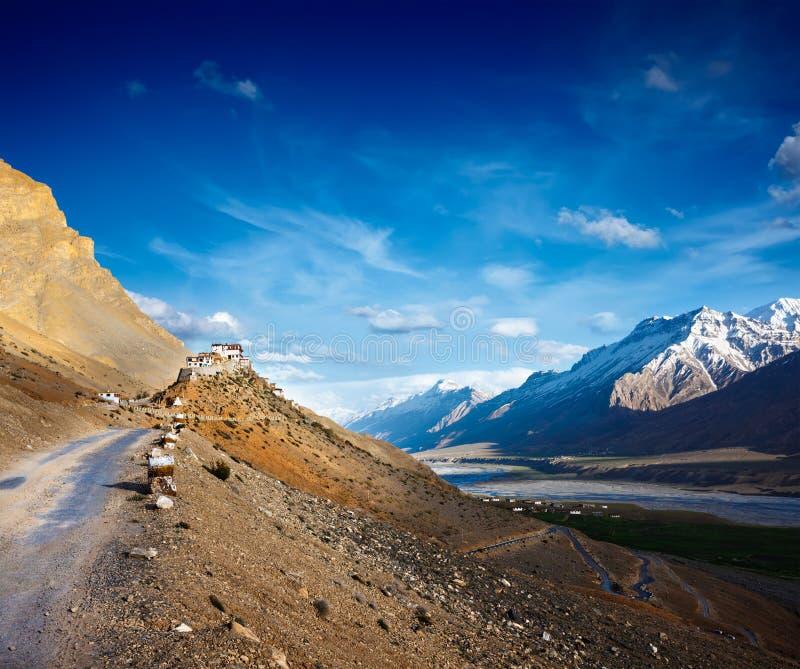 för kikloster för kee key spiti för väg till dalen arkivbild