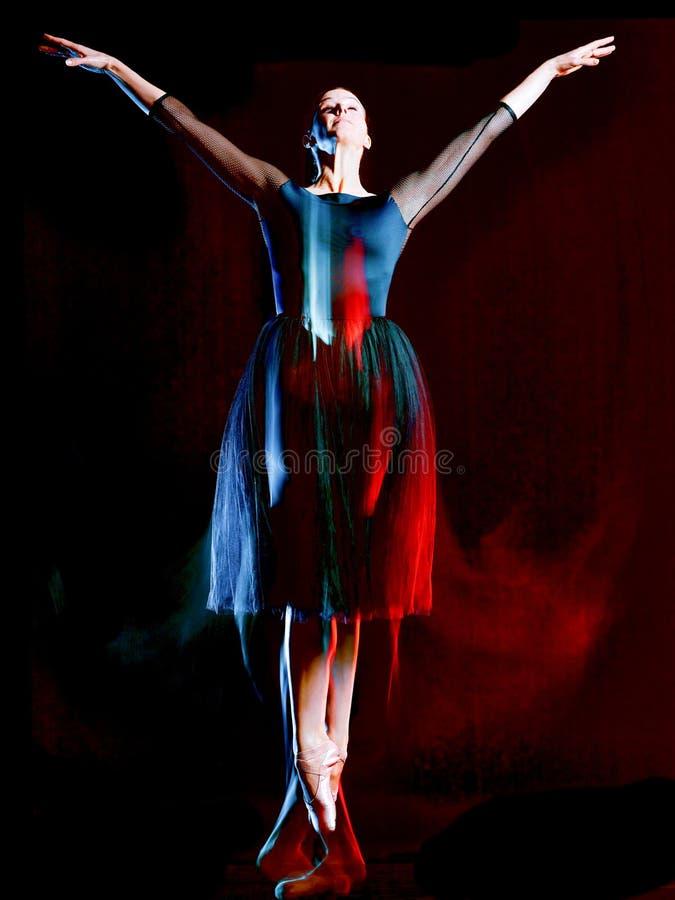 F?r balettdans?rdans f?r ballerina klassisk isolerad svart bacground kvinna royaltyfria foton