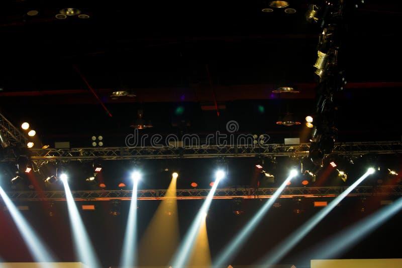 F?r belysningkonstruktion f?r kapacitet flyttande medeltal f?r ljus royaltyfria bilder