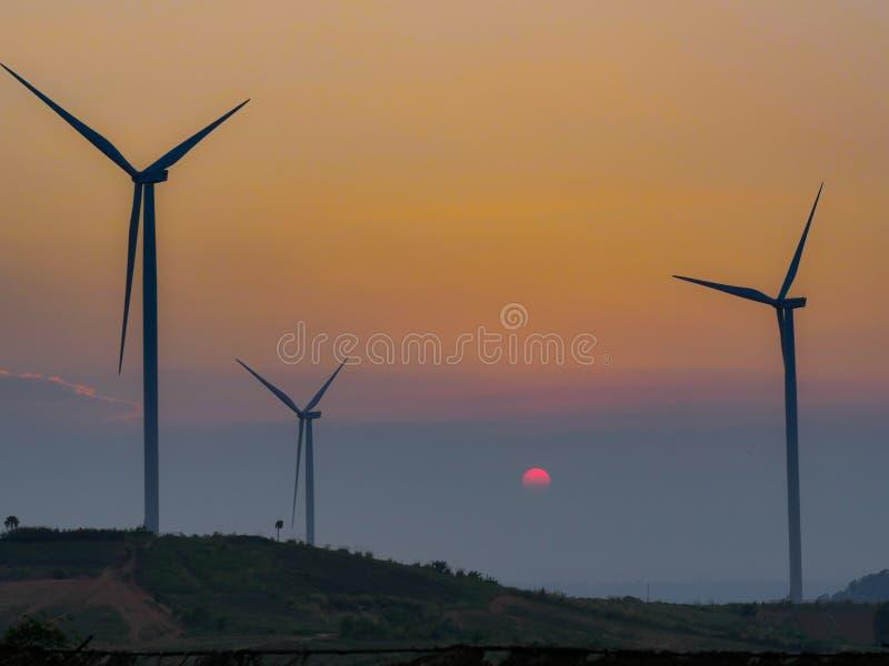 f?r lantg?rdk?lla f?r alternativ energi wind f?r turbin royaltyfri fotografi