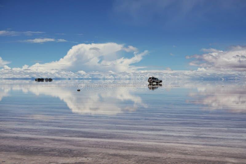 F?rbluffa naturen i Salar de Uyuni, Bolivia royaltyfria foton