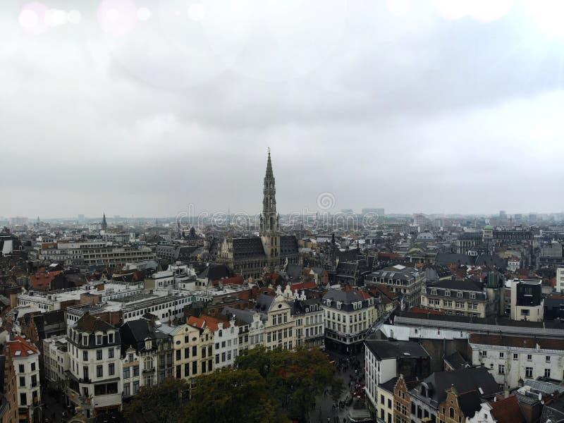 F?rbluffa sikt fr?n ?ver Huvudstaden av Belgien Stora Bryssel Mycket historiskt och touristic ställe M?ste se Sikt fr?n surret arkivfoton