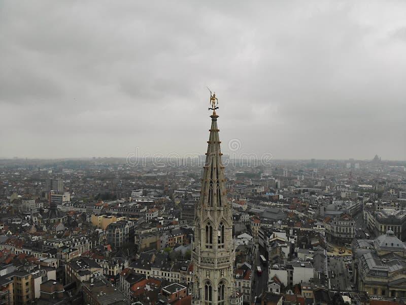 F?rbluffa sikt fr?n ?ver Huvudstaden av Belgien Stora Bryssel Mycket historiskt och touristic ställe M?ste se Sikt fr?n surret arkivfoto