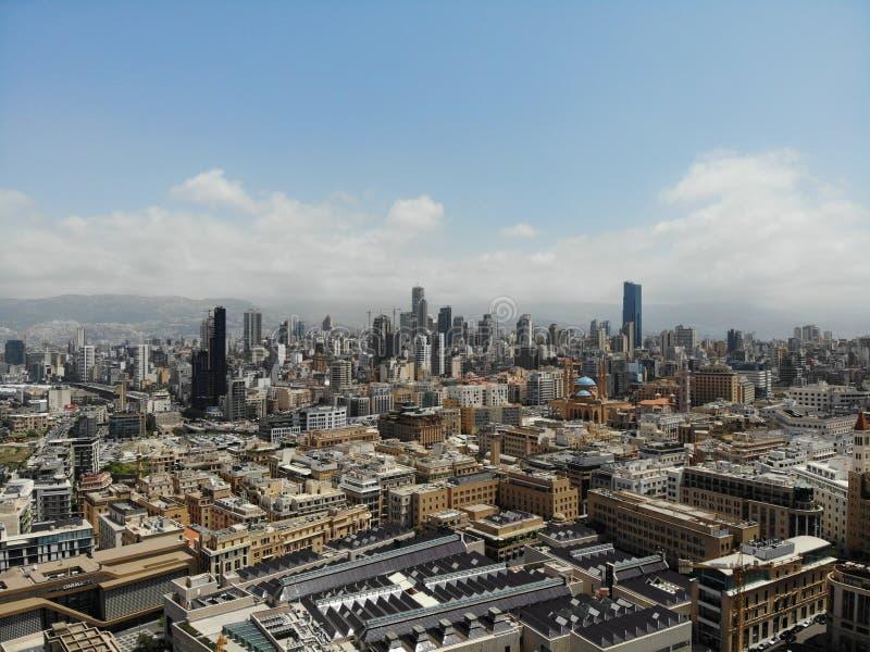F?rbluffa sikt fr?n ?ver Skapat av DJI Mavic Horisont av Beirut Huvudstaden av Libanon ?sterut mitt arkivbilder
