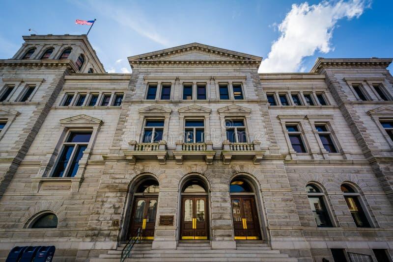F?renta staternastolpen - kontor och domstolsbyggnad, i charleston, South Carolina arkivfoto