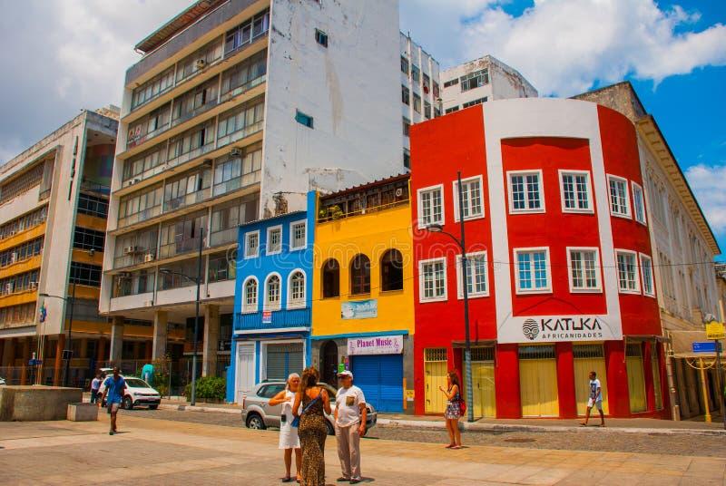 F?rgrika koloniala hus p? det historiska omr?det av Pelourinho Den historiska mitten av Salvador, Bahia, Brasilien arkivbild