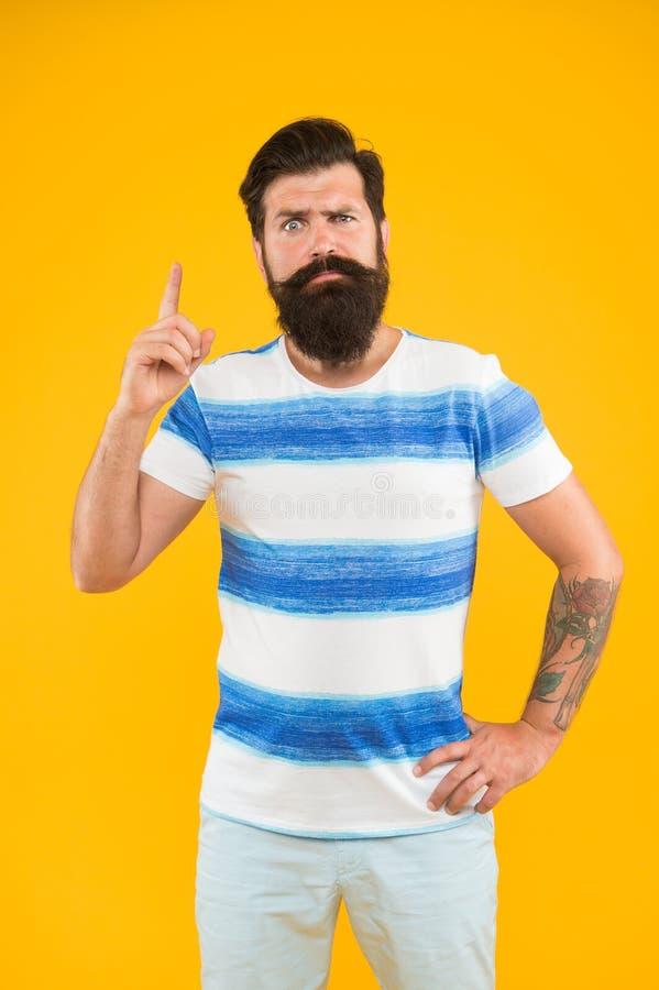 F?rias de ver?o Conceito do barbeiro Estilo do ver?o Marinheiro alegre Junte-se a minha onda Moderno farpado do homem com bigode  imagens de stock