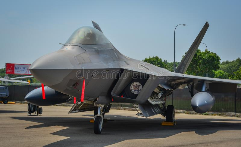 F-22 roofvogelvliegtuigen in Changi, Singapore stock afbeelding