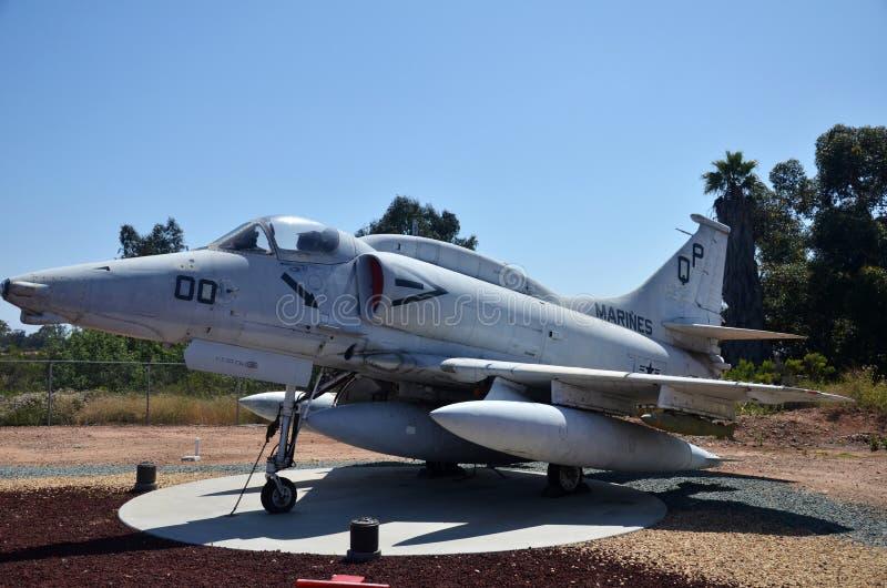 A-4F Skyhawk pokaz wśrodku Latać Leatherneck lotnictwa muzeum w San Diego, Kalifornia obrazy royalty free