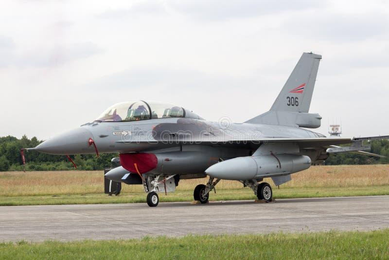 F-16 van Noorwegen stock foto's