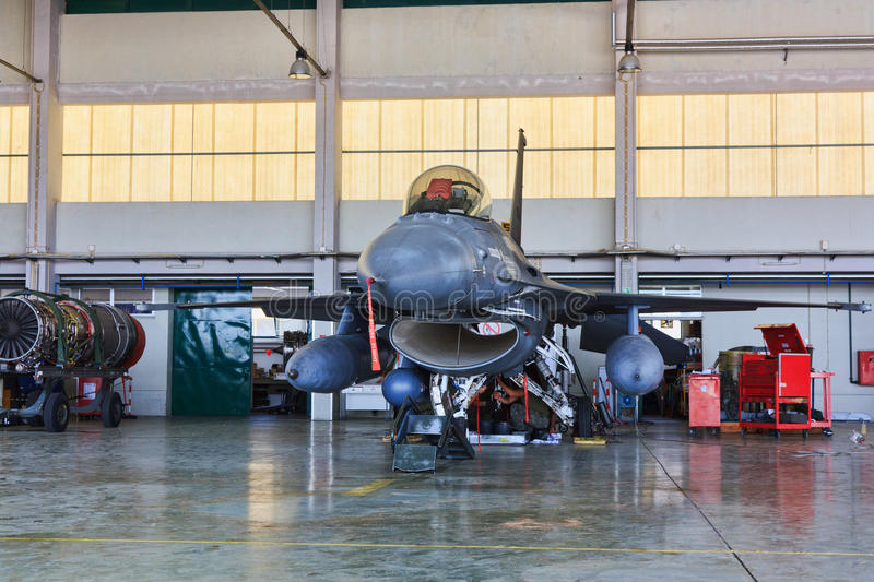 Download F16 On Hangar For Maintenance, Portugal Editorial Photo - Image: 22748336