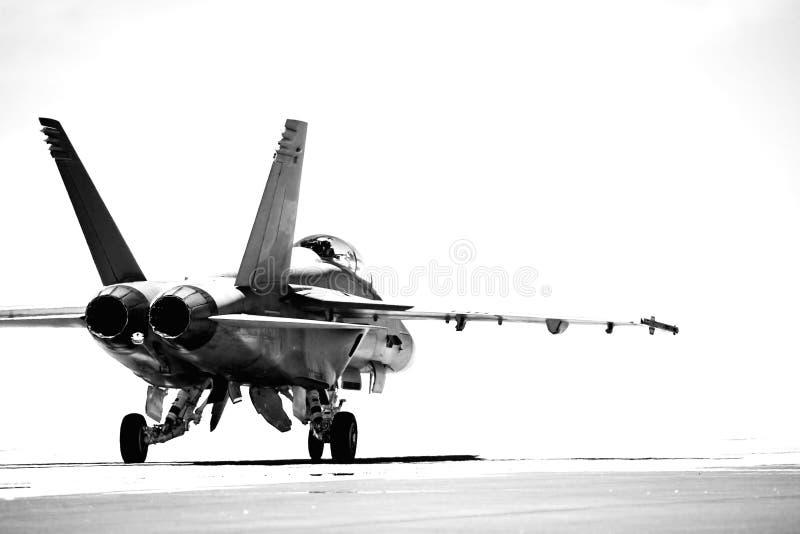 F18 que taxiing o bw imagem de stock royalty free