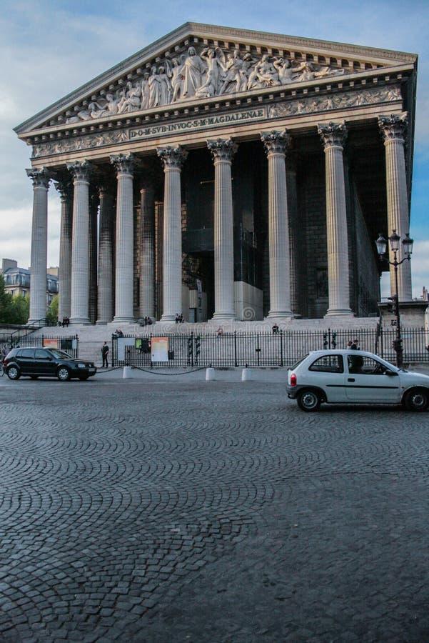 Façade de Madeleine Church Arquitetura religiosa de Paris imagens de stock