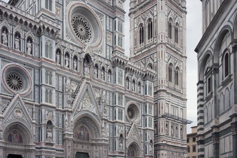 Façade av de Florence Cathedral fotografering för bildbyråer