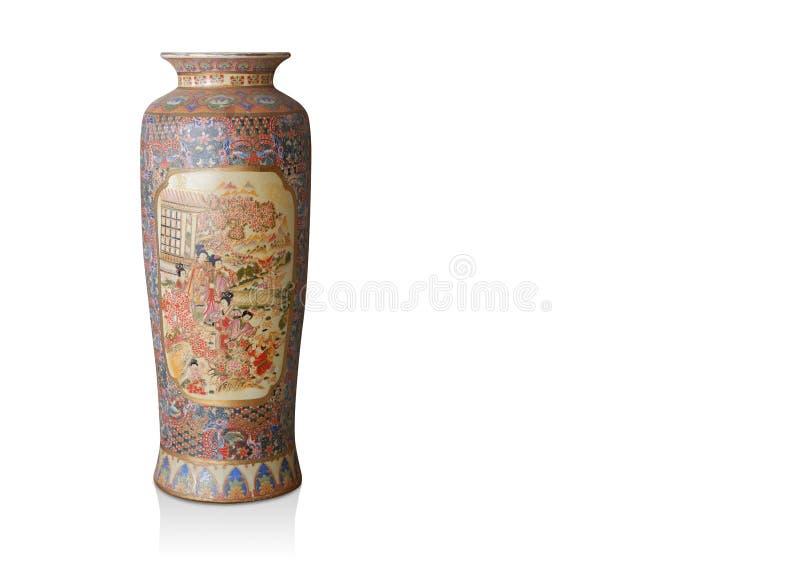 Faça o vaso chinês grande do corte no fundo branco, espaço da cópia foto de stock royalty free