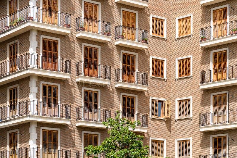 Façade commune de bloc constitutif d'Apartament images libres de droits