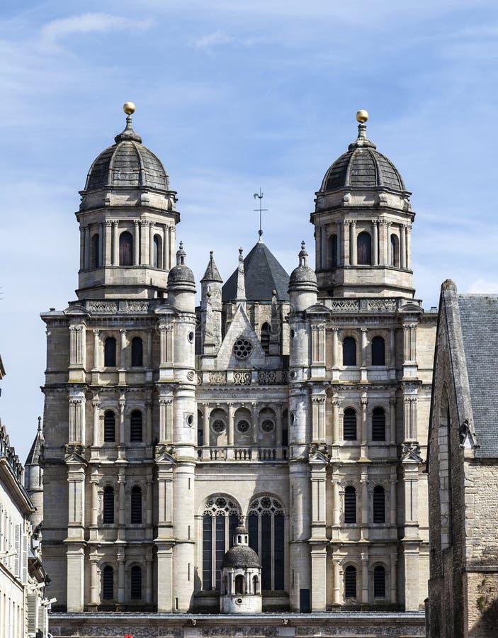 Façade d'église de Saint-Michel à Dijon images stock