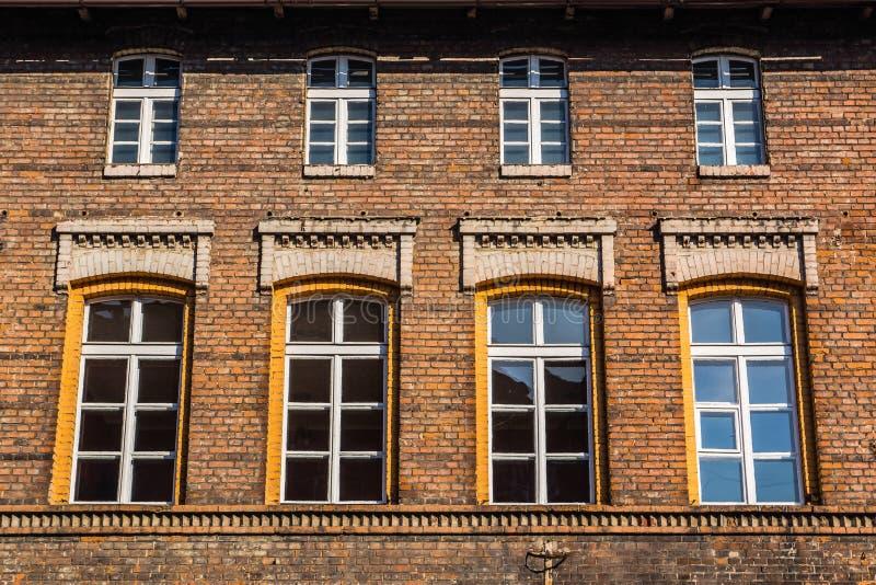 Façade d'un bâtiment résidentiel dans Zabrze photographie stock libre de droits