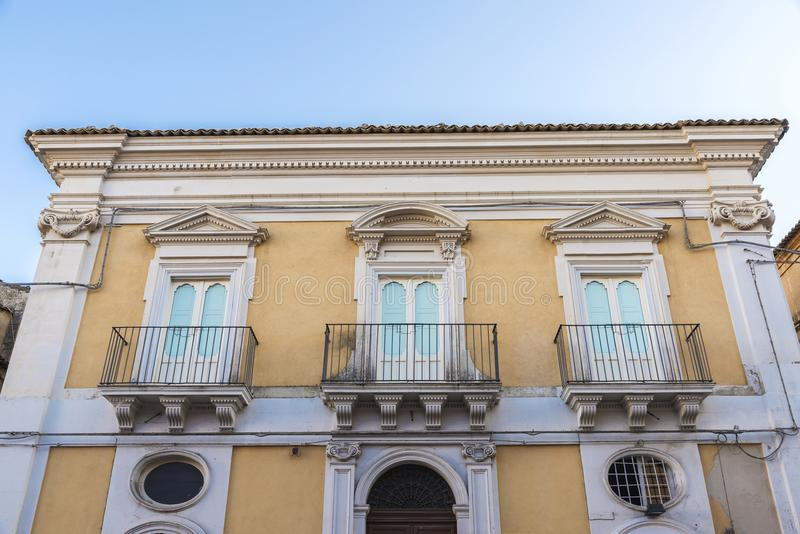 Façade d'un vieux bâtiment à Raguse, Sicile, Italie images libres de droits