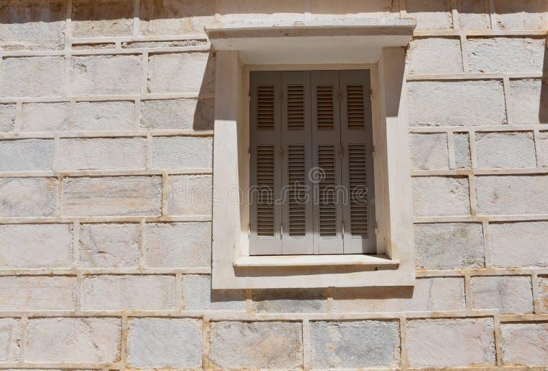 Download Façade Dans Ermoupolis Syros, Grèce Photo stock - Image du résidence, obturateurs: 77153982
