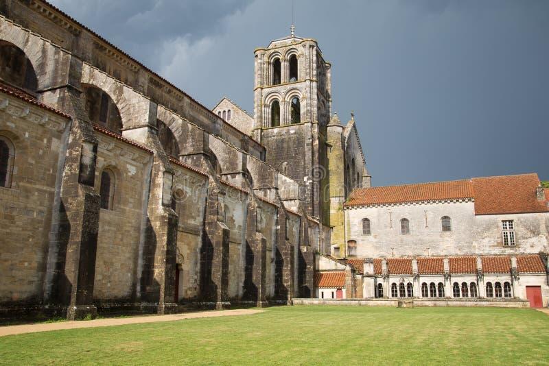 Façade de cathédrale de Vezelay, France photographie stock libre de droits