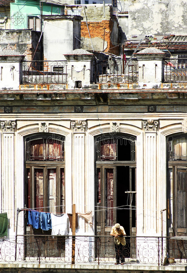 Façade de construction du Cuba photo libre de droits