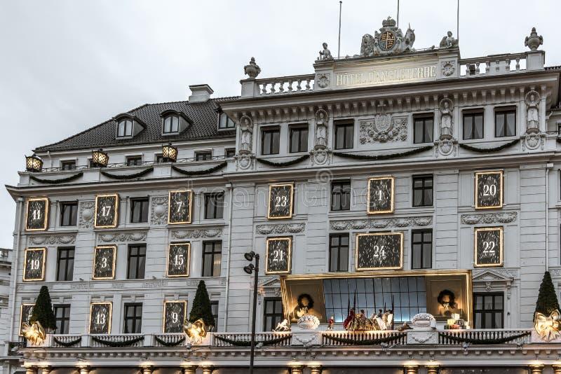 Façade de d'Angleterre Copenhague d'hôtel, avec le décor de Noël photo libre de droits