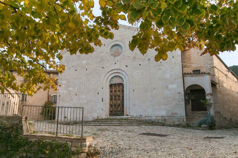 Façade de l'église Campello Alto en Ombrie, Italie image stock