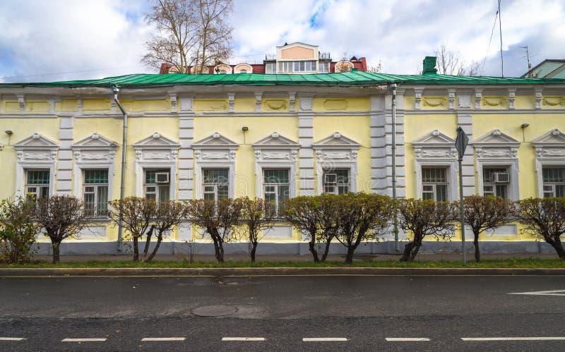Façade de l'ancien manoir L I Kashtanov et M I Sotnikova, 1893, sur Malaya Ordynka Street, Moscou, Russie photographie stock libre de droits