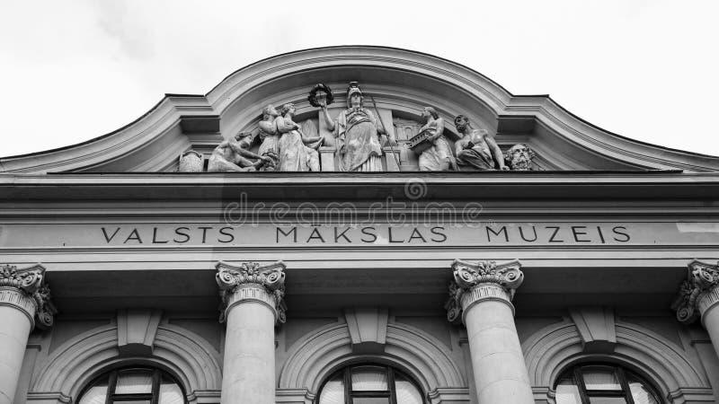 Façade de Musée National letton d'art à Riga images stock
