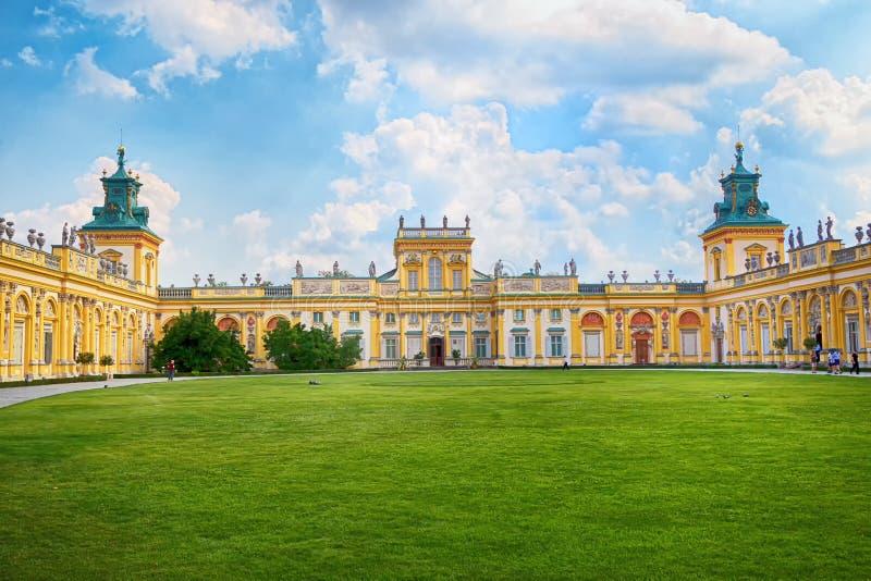 Façade de palais de Wilanow à Varsovie, Pologne photographie stock libre de droits