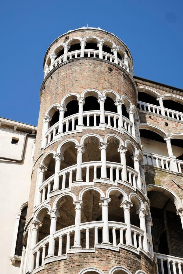 Façade de Palazzo Contarini del Bovolo à Venise, Italie avec l'escalier célèbre d'escargot image libre de droits