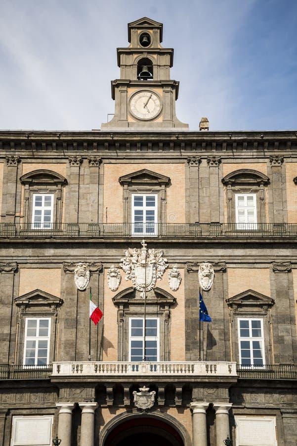 Façade de Royal Palace à Naples, Italie photo libre de droits