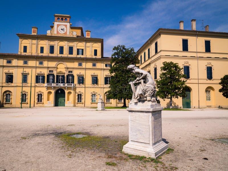 Façade de style de la Renaissance du ` de palais de jardin de ` à l'intérieur du parc ducal de Parme, Italie images stock