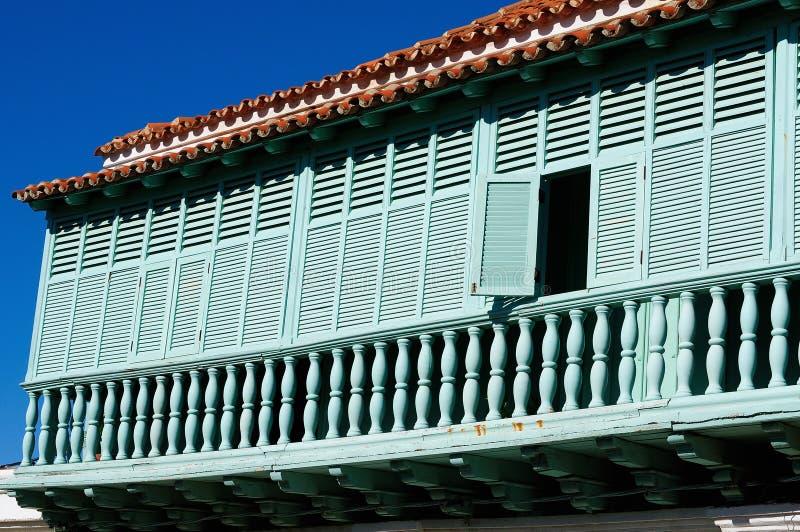 Façade du développement colonial typique de bâtiment photo libre de droits