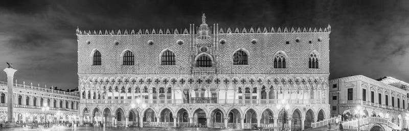 Façade du Doge&#x27 ; palais de s, point de repère iconique à Venise, Italie photographie stock libre de droits