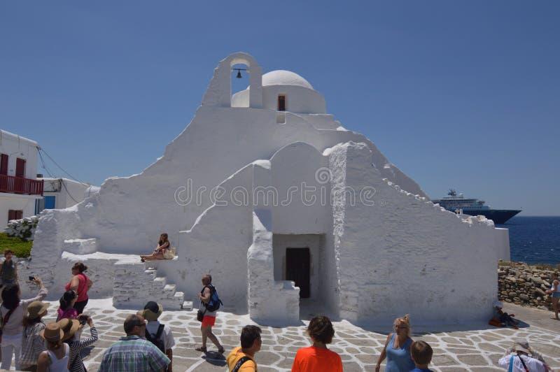 Façade principale de l'église de Paraportiani en île de Chora de Mikonos Arte History Architecture images stock