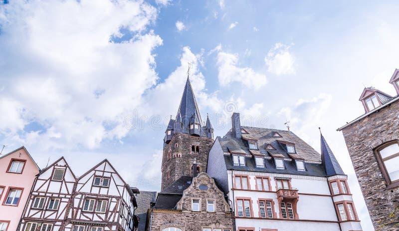 Façades historiques Bernkastel-Kues Rhénanie Palatinat Allemagne photographie stock libre de droits