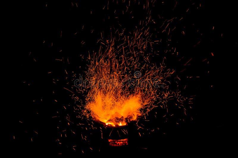 Faíscas da fogueira imagem de stock