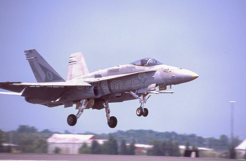 FA-15在Quonset点,北部金斯敦, RI的着陆 免版税库存照片